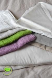 4 couleurs d'éponge, 2 couleurs de lin, une polaire, et 2 tissus en coton blanc