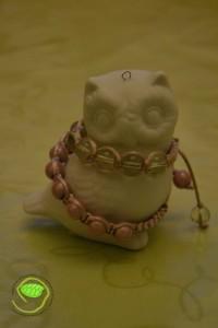 Perles transparentes et nacrées rose avec de la queue de rat vieux rose