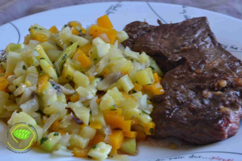 pommes de terre, carottes, courgettes, champignons et oignons rouges.