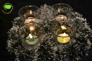 4 bougies allumées