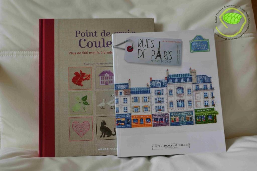 """""""Point de croix en Couleurs"""" de A. Abrial, M-A. Réthoret-Mélin et P. Samouïloff chez Mango. """"Rues de Paris"""" de Anne Sohier-Fournel chez Marabout."""