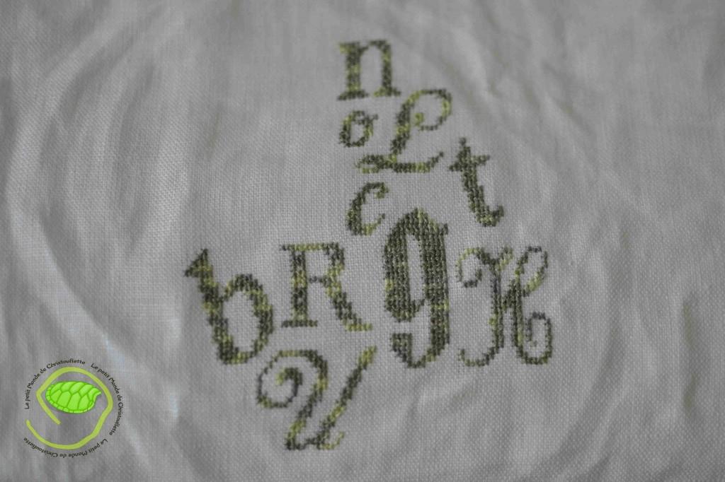 Le B, L, N et O viennent accompagner les autres lettres déjà brodées !
