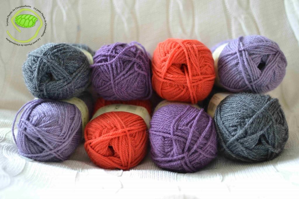 De l'anthracite et du rouge/orange pour mon grand et du violet foncé et clair pour ma puce !