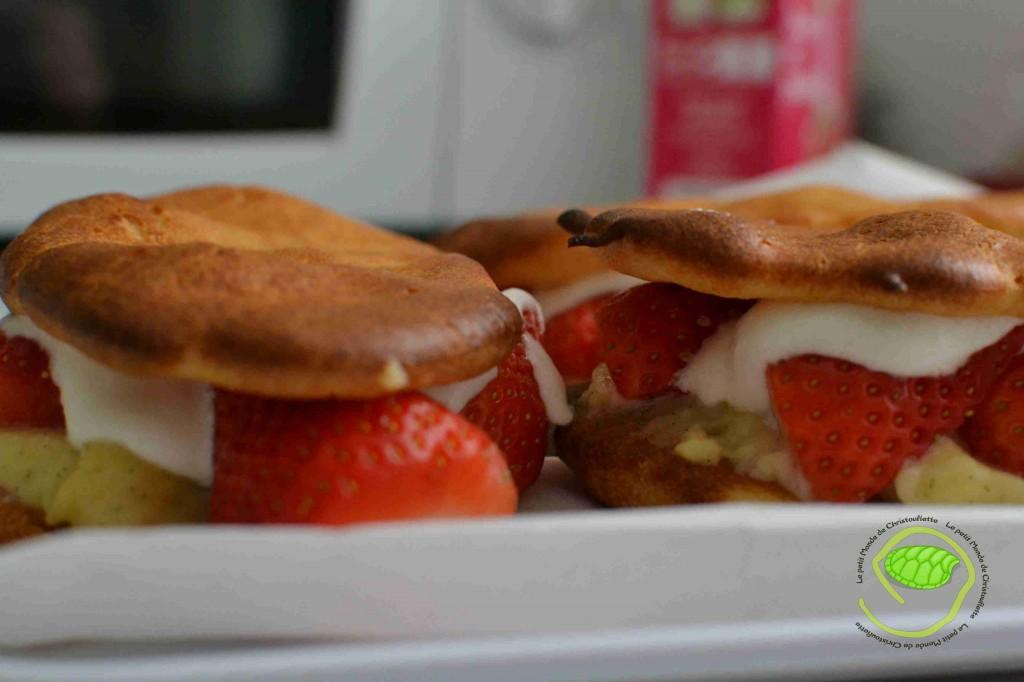 De la pâte à choux, des fraises, de la chantilly et de la crème patissière